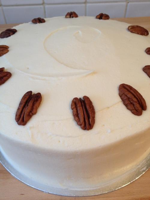 Maple & pecan cake