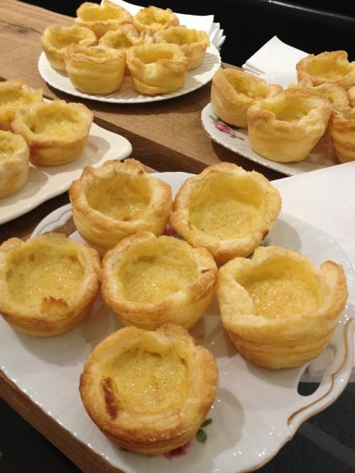 Eggnog custard tarts