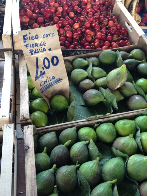 Figs at Sant'Ambrogio market